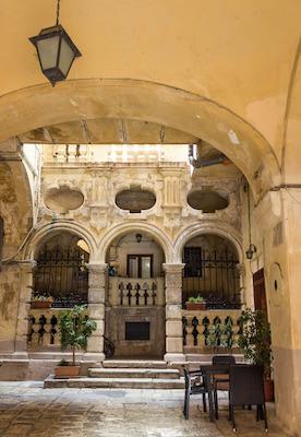 Antichi palazzi nel centro storico di Bari